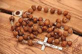 olive-wood-carving-rosary-anion-factory-4.jpg
