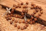 olive-wood-carving-rosary-anion-factory-8.jpg