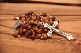 olive-wood-rosary-anion-factory-in-bethlehem-2.jpg