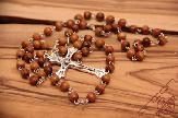 olive-wood-rosary-anion-factory-in-bethlehem-3.jpg
