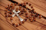 olive-wood-rosary-anion-factory-in-bethlehem-4.jpg