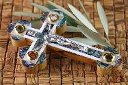 Olive Wood Orthodox Greek & Russian Crucifix Mother of Pearl